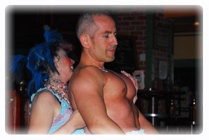 Geneve Strip : agence de striptease - stripteaseur - anniversaire de fille