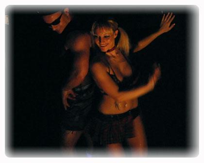 Geneve Strip : agence de striptease - stripteaseuse - enterrement de vie de garcon